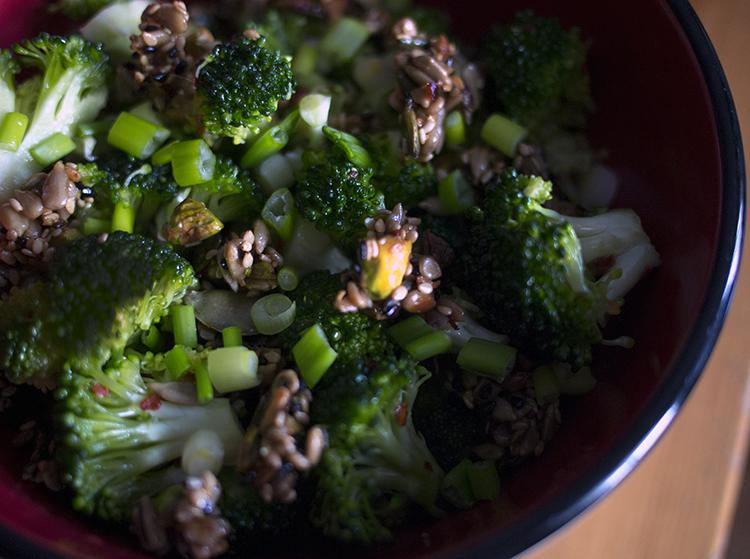 Salade croquante de brocoli aux noix